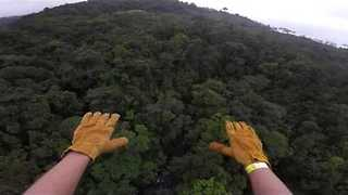 Guy Enjoys Crazy Superman Zipline in Costa Rica - Video