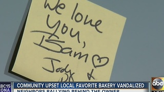 Neighbors rally to support vandalized Middle Eastern bakery in Phoenix - Video