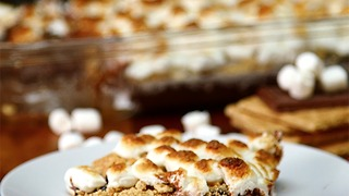Smores Poke Brownies - Video
