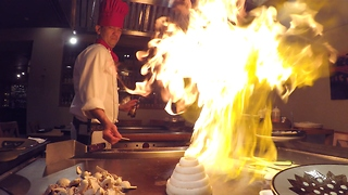 Teppanyaki ninja dazzles couple for 25th wedding anniversary - Video