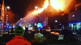 Hundreds Evacuated From Acton Pub Blaze - Video