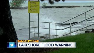 Lakeshore flood warning - Video