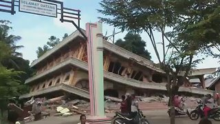 Mosque Collapses as Earthquake Kills Scores in Indonesia - Video
