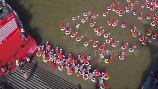 Thousands of people swim across Yangtze River