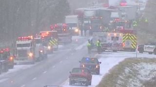 More than 40 vehicles involved in pileup on I-96 westbound - Video