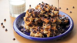 Chocolate chip oatmeal waffle cookies - Video