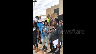 Protesters gather outside Trump Chattanooga rally - Video
