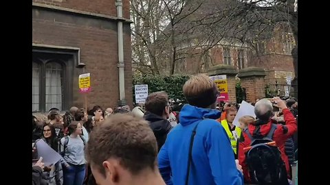 Steve Bannon Appearance at Oxford University Sparks Protest