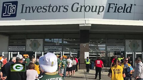 Packers fans cross the border