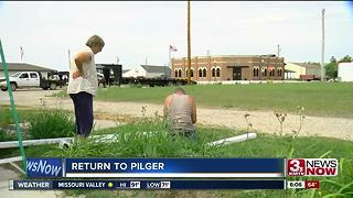 Return to Pilger: three years later - Video