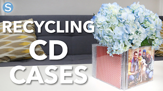Recycled CD cases photo box craft - Video