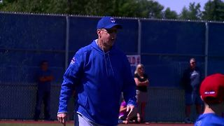 Jim Kelly in good spirits during annual football camp - Video