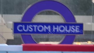 Crossrail signs go up - Video