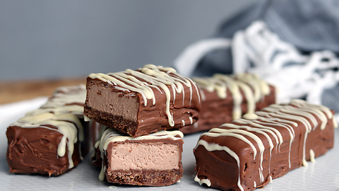 How to make cheesecake chocolate bars