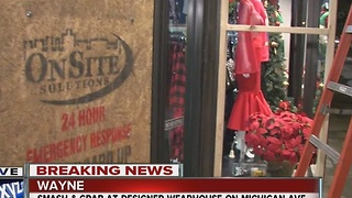Smash-and-grab reported at Designer Wearhouse in Wayne - Video