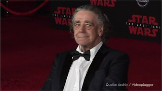 Video Showing Peter Mayhew's Chewbacca Speaking English Gives Fan New Appreciation Of Actor