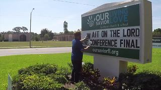 Local Pastor uses church marquee for years to support the Tampa Bay Lightning - Video