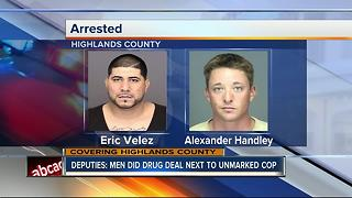 Suspects arrested after dealing drugs in front of detective - Video