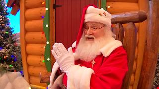Bass Pro Shop Santa prays with Texas boy - Video