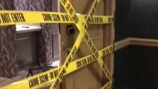 Responding officers talk about entering hotel room - Video