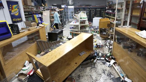 Chicago Shooting And Rumors Spark Overnight Looting Downtown