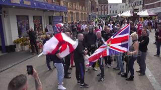 Scuffles break out at EDL gathering in Worcester