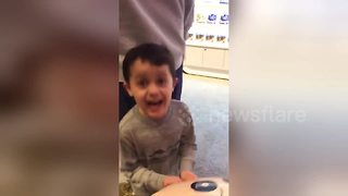 Little boy gets incredibly excited about Nintendo Switch present - Video