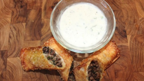 Meat and parsley egg roll recipe