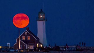 Timelapse Captures Stunning Harvest Moon in Scituate, Massachusetts - Video