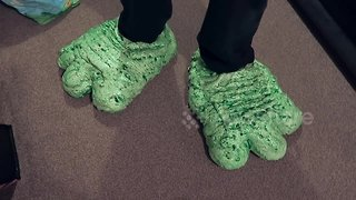 Woman pranks boyfriend by turning his favourite trainers into monster feet - Video