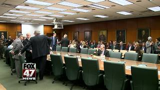 Michigan State faculty moving ahead with no-confidence vote - Video