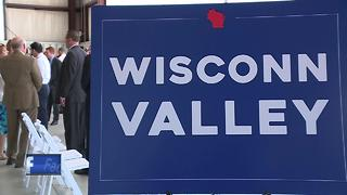 Governor Walker tours Wisconsin talking about Foxconn - Video