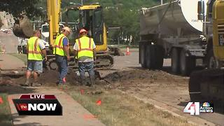 Large Leawood water main break closes 119th St. - Video