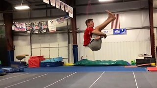 Teen manages to skip rope while landing a backflip