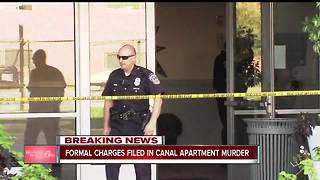 Victim in apartment gym stabbing opened door for suspected killer, court docs show - Video
