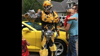 Bumblebee from Transformers shows up to little boy's birthday - Video
