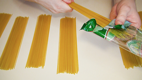 Kitchen hack: How to measure one portion of spaghetti