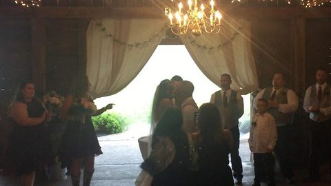 Wedding Photographer Removes Step Mom From The Picture