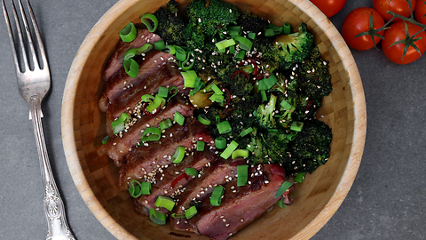 Healthy steak Buddha bowl recipe