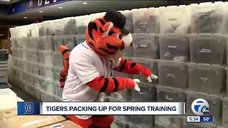 Tigers loading up for Spring Training - Video