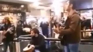 Young men kicked out of shopping center for playing music in public - Iran - Video