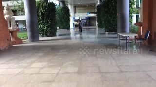 Bali airport deserted after volcano eruption - Video