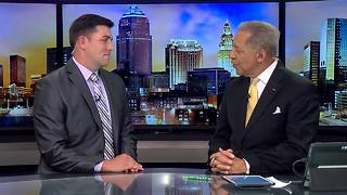 Leon Bibb signs off from News 5 at noon - Video