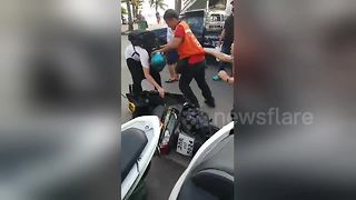 Thai taxi driver kicks German tourist in head in unprovoked attack