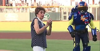 WATCH: WWII veteran throws first pitch at Aviators Independence Day celebration
