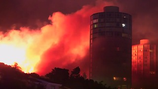 Wildfires Light up Night Sky Over Cape Town - Video