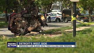Speeding car slams into tree killing one person - Video