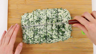 Spinach dip mozzarella sticks - simply delicious! - Video