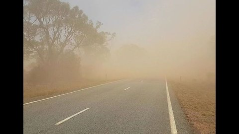Here's What It's Like to be Stuck in a Dust Storm in Outback Australia
