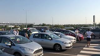 'Six-hour delays' at Folkstone's Eurotunnel terminal - Video